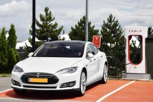 Two More Killed in Autonomous Car Crash, and Tesla's Unstoppable Fires